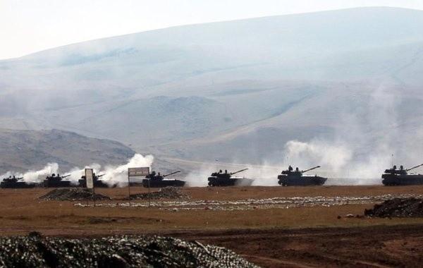 В Нагорном Карабахе не утихают боевые действия