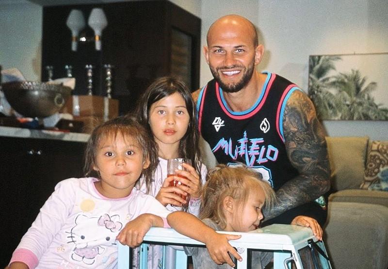 Как Джиган и Оксана Самойлова после развода поделят элитную недвижимость и детей