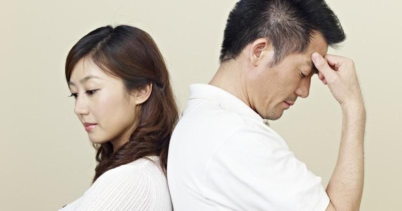 Китайские пары не выдержали испытания карантином, и массово начали разводиться