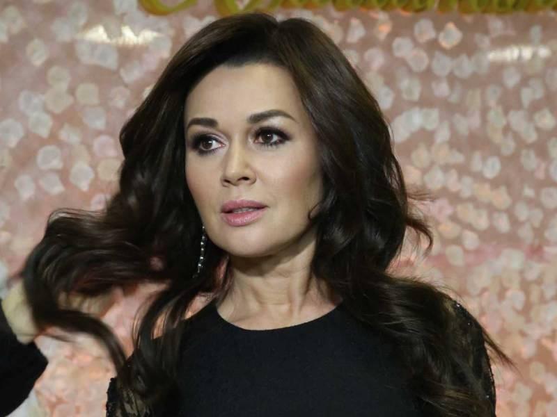 Как себя чувствует Анастасия Заворотнюк согласно последним новостям 2021 года