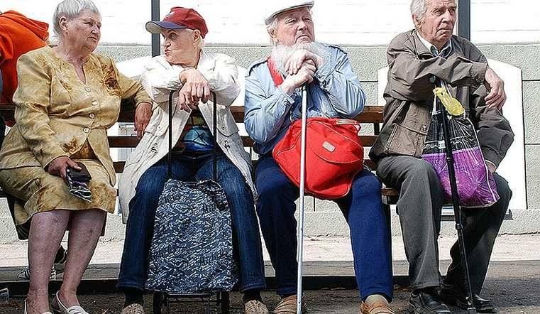 Индексация пенсий работающим пенсионерам может составить 3500 рублей, если правительство одобрит