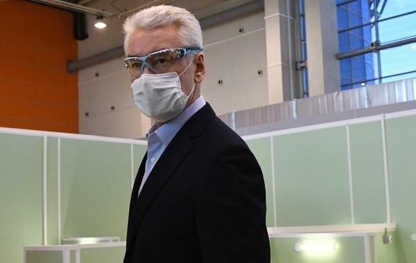 Собянин не стал снимать ограничения из-за коронавируса для людей старше 65 лет