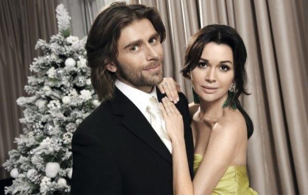 Поклонники Анастасии Заворотнюк взволнованы внешностью ее мужа