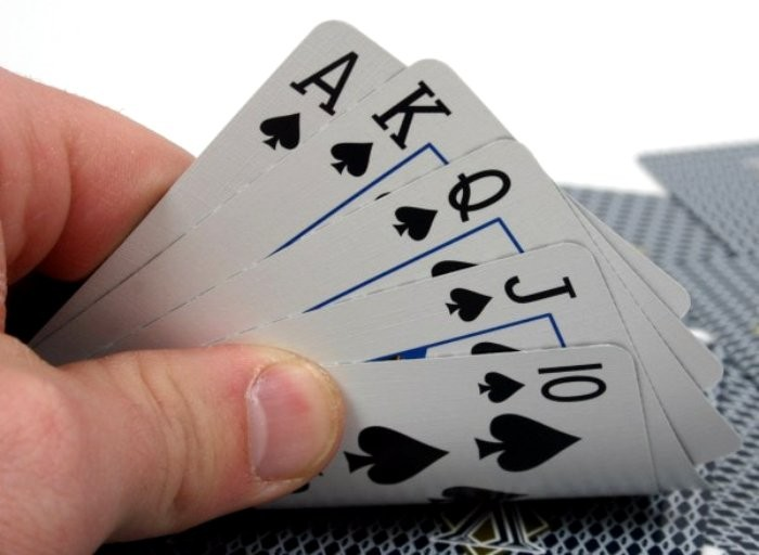 Червы, Трефы: происхождение названий игральных карт