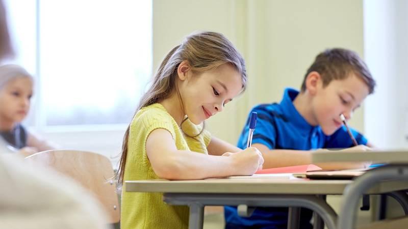 Поступление в первый класс в 2021 году: что должен знать ребенок и когда пора записываться в школу