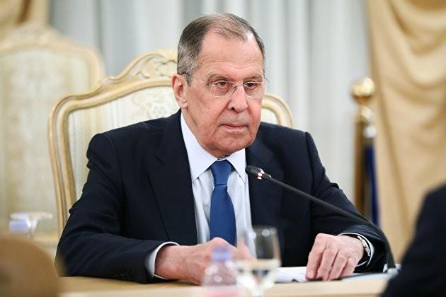 Лавров аргументировал необходимость отказа от западных платежных систем