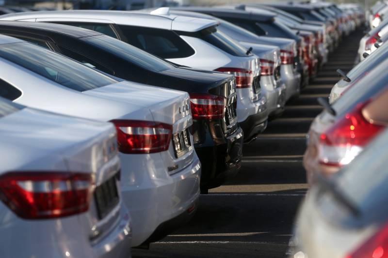 В России в ближайшие месяцы подорожают автомобили