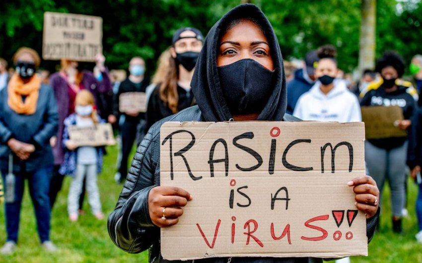 Белым детям в США прививают чувство вины по факту цвета их кожи