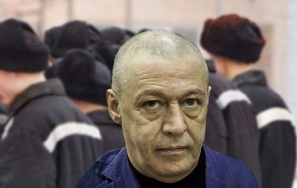 Михаил Ефремов рассчитывает на смягчение наказания