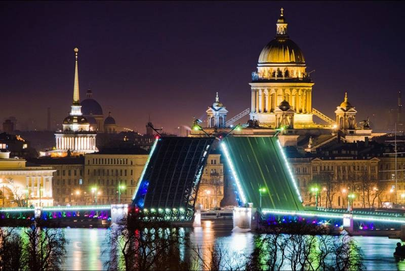 На День рождения Санкт-Петербурга, с 27 по 30 мая 2021 года, запланировано множество всевозможных мероприятий