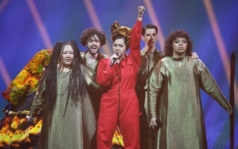 Почему певица Манижа хочет подавать исковое заявление в суд на главреда издания Wonderzine Юлию Таратуту