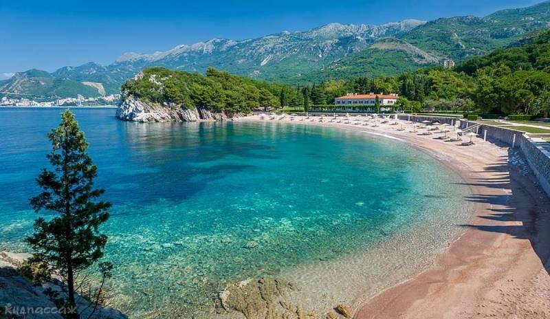 Как россиянам попасть на отдых в Черногорию в 2021 году