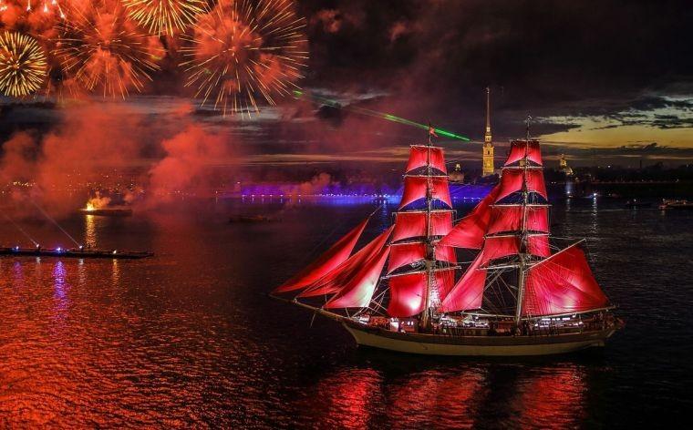 Праздник всех выпускников «Алые паруса» пройдет в Санкт-Петербурге 25 июня 2021 года