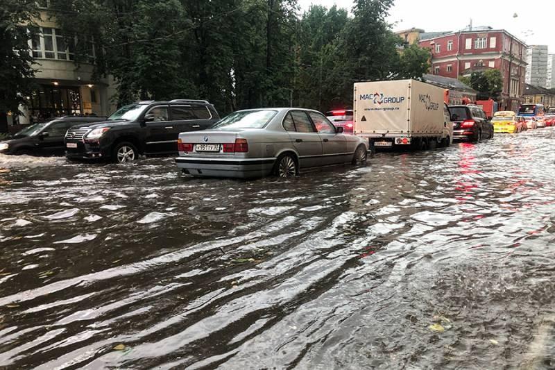 Супер ливень в Москве летом 2021 года привел к частичному подтоплению столицы