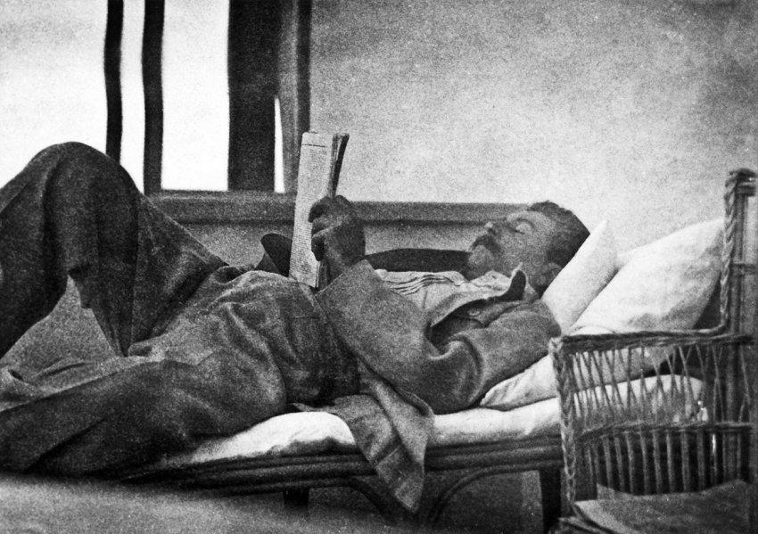 Разбираем популярные легенды о Сталине