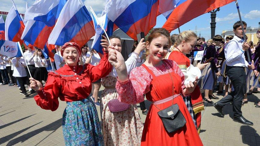 Где можно погулять в Москве с семьей и друзьями на День России, 12 июня 2021 года