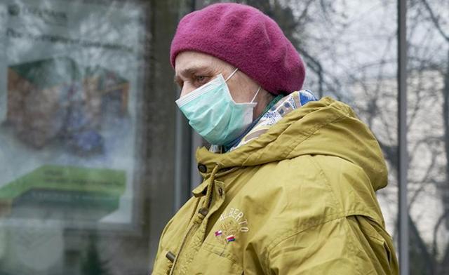 Выплаты пенсионерам на защитные маски предложили ввести в Госдуме