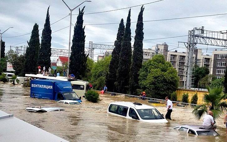 Почему мощное наводнение накрыло Сочи и какие последствия