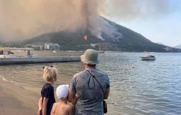 В Турции взято под контроль большинство очагов лесных пожаров