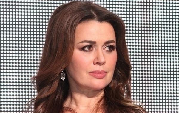 Появились новые подробности текущего состояния актрисы Анастасии Заворотнюк