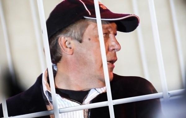 Стало известно, выплатил ли Ефремов компенсацию родным погибшего курьера