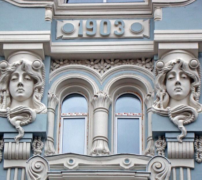 """Маскароны: """"лица"""" московских домов"""