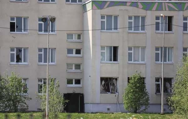 У казанской школы, где случился массовый расстрел, поставят мемориальный камень