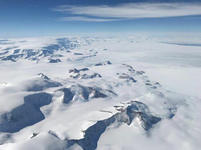 Почему Антарктида стала бесполётной зоной