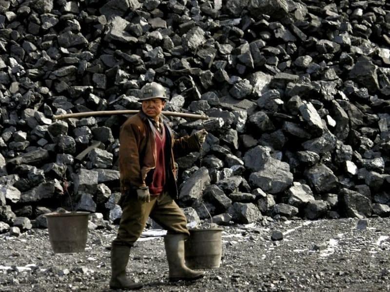 Китай решил увеличить добычу угля, чтобы противостоять энергетическому кризису