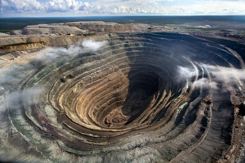 Триллионы карат сверхтвердых алмазов из метеоритного кратера в Якутии могут совершить переворот на мировом рынке драгоценных камней
